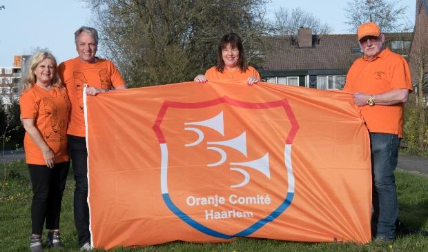 <p>Het bestuur van het Oranjecomité gaat op Koningsdag met gebak langs bij de Haarlemse zorgcentra.&nbsp;</p>