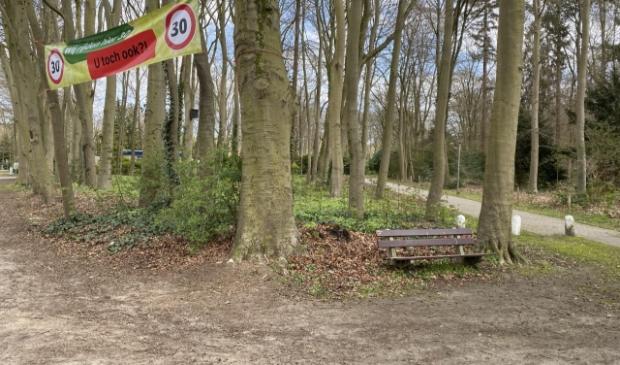 <p>Jan Buiter hoopt dat de gemeenteraad openstaat voor zijn initiatief voor de bouw van seniorenwoningen bij het bos.</p>