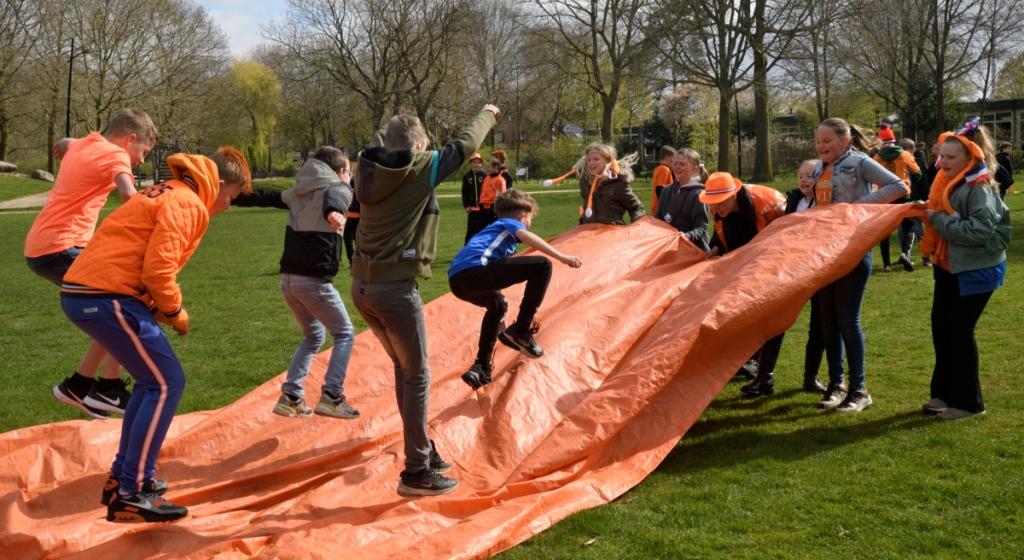 Basisschool De Pelikaan houdt Koningsspelen in park de Groene Scheg Henk Hutten © BDU media