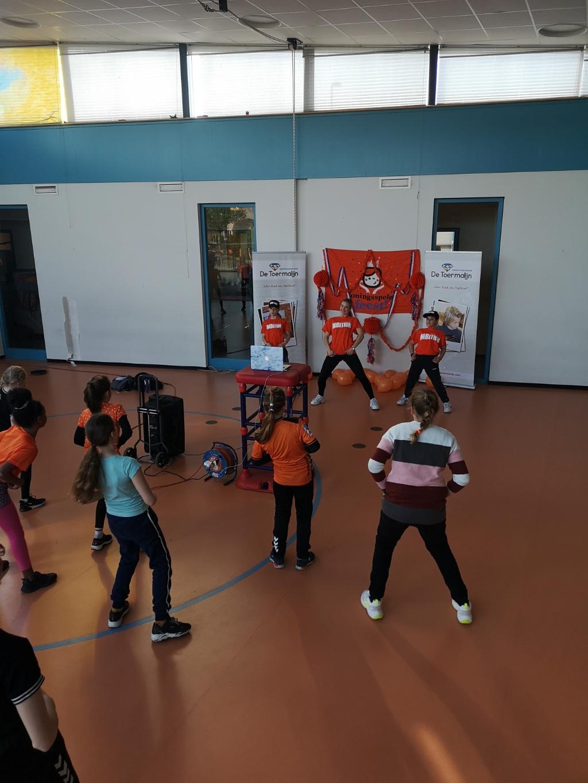 Het dansje voor de Koningsspelen Stichting Wijksport © BDU media