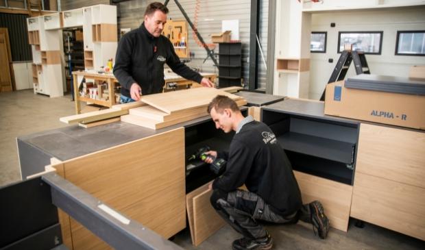<p>Beerdsen Interieurbouw & Keukens in Barneveld zoekt per direct ervaren meubelmakers en een junior interieurbouwer.</p>