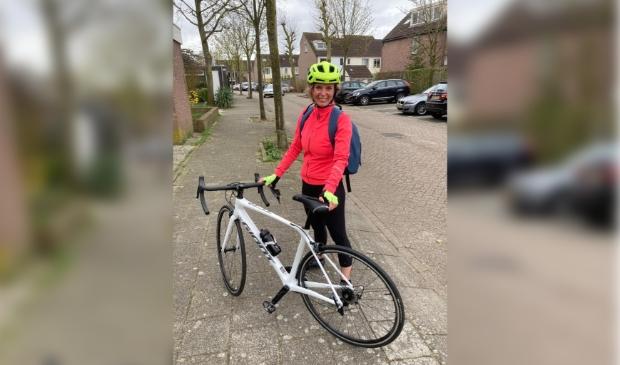 Burgemeester Langenacker heeft een racefiets aangeschaft.
