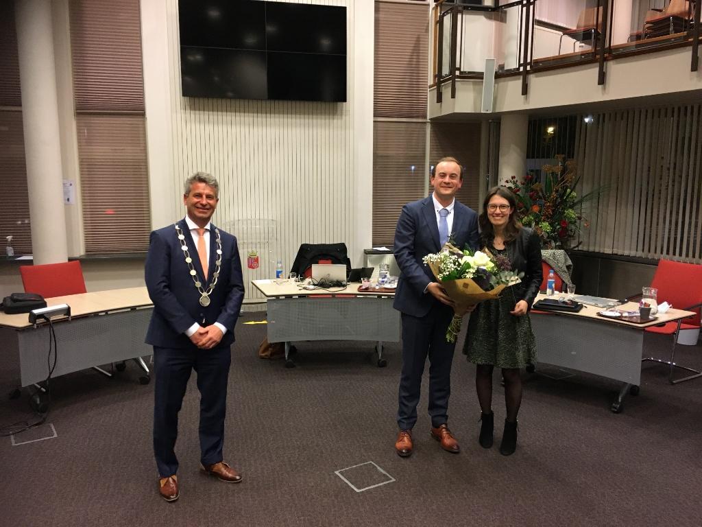 Burgemeester Heijkoop samen met het Koen en Elianne Schouten Erik van den Bosch © BDU media