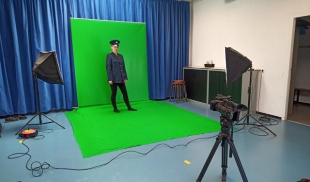 <p>Met camera&#39;s worden voorstellingen opgenomen en live gestreamd.</p>