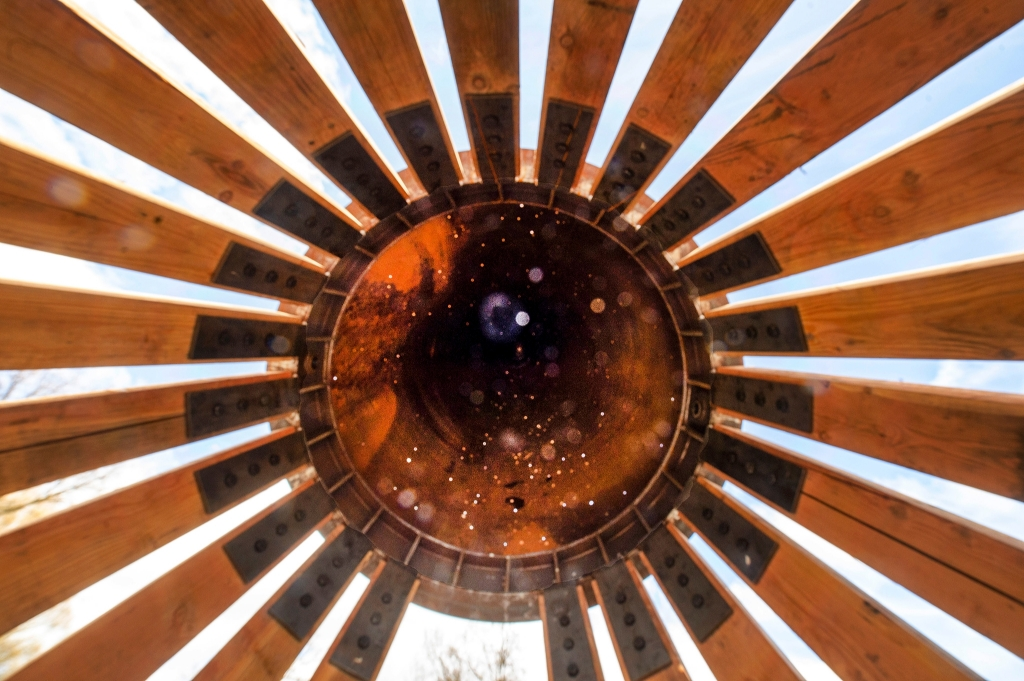 <p>De nieuwe zonnewijzer in stadspark Elisabeth Groen.</p> Rinus van Denderen © BDU media