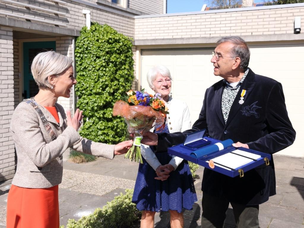 Koninklijke onderscheiding voor Han Mulder Barry Bosman  © BDU media