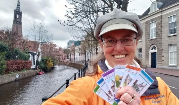 Stadsgids Inge Vos toont haar Keistad Kwartet