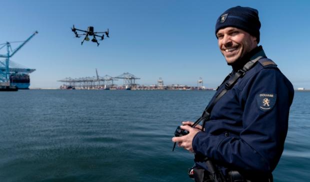 Douane-uniform drone team