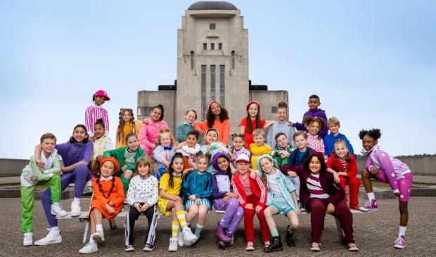 <p>De videoclip van het lied &#39;Zij aan zij&#39; van Kinderen voor Kinderen is opgenomen bij Radio Kootwijk.</p>