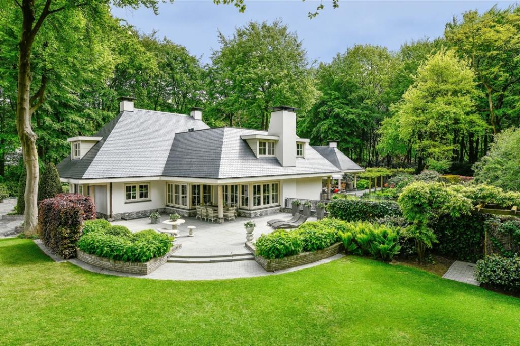 Villa aan de Bosrand in Putten, vraagprijs 1,8 miljoen. Funda © BDU media