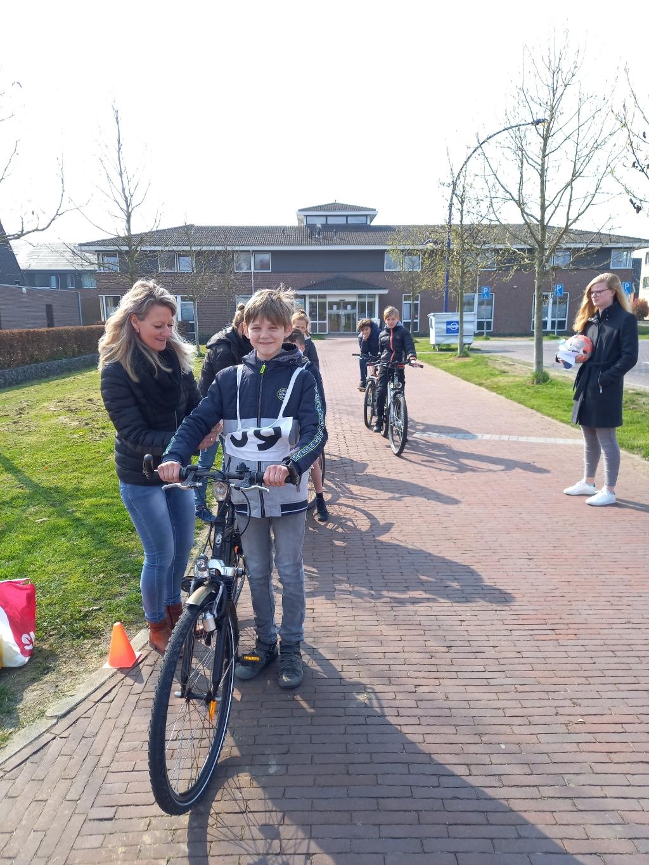 Gespannen gezichtjes voor de start An Van Osselaer © BDU media