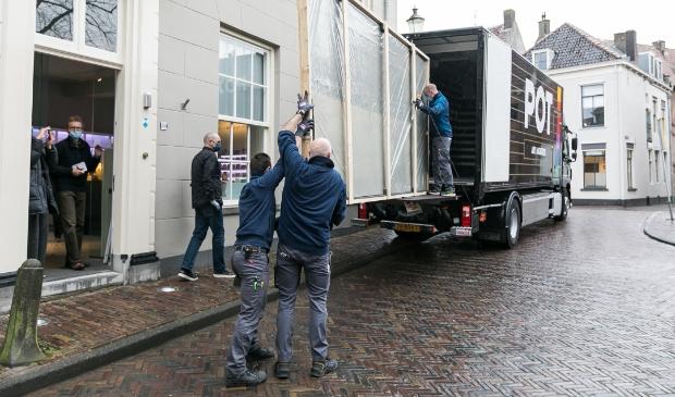 <p>&#39;Gezicht op Amersfoort&#39; is woensdag van de muur gehaald in museum Flehite, op weg naar een maanden durende renovatie.&nbsp;</p>