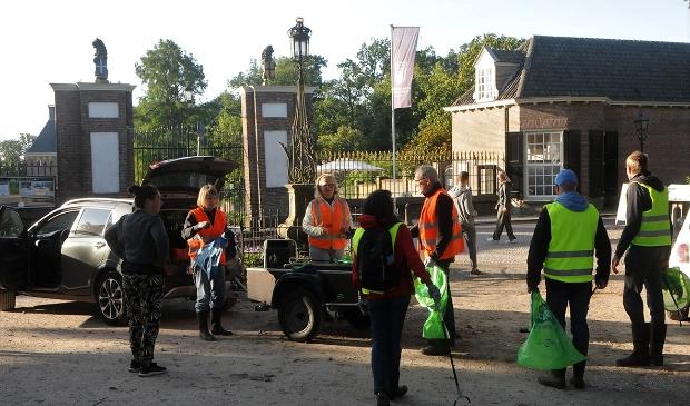 Afvalprikkers aan het werk