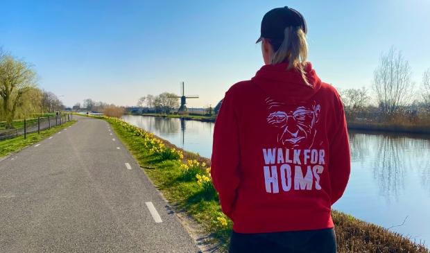 Anne Claire van der Lugt loopt in 2022 de pelgrimstocht van Amsterdam naar 's-Hertogenbosch