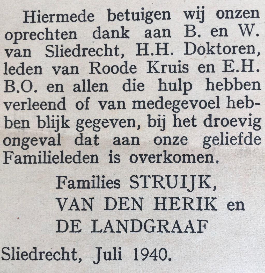 Mijn vader bewaarde de dankbetuiging die de getroffen families lieten plaatsen. Privébezit © BDU media