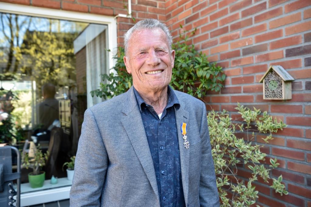 De heer G. Hurenkamp: Lid in de Orde van Oranje Nassau. Jaap van den Broek © BDU media