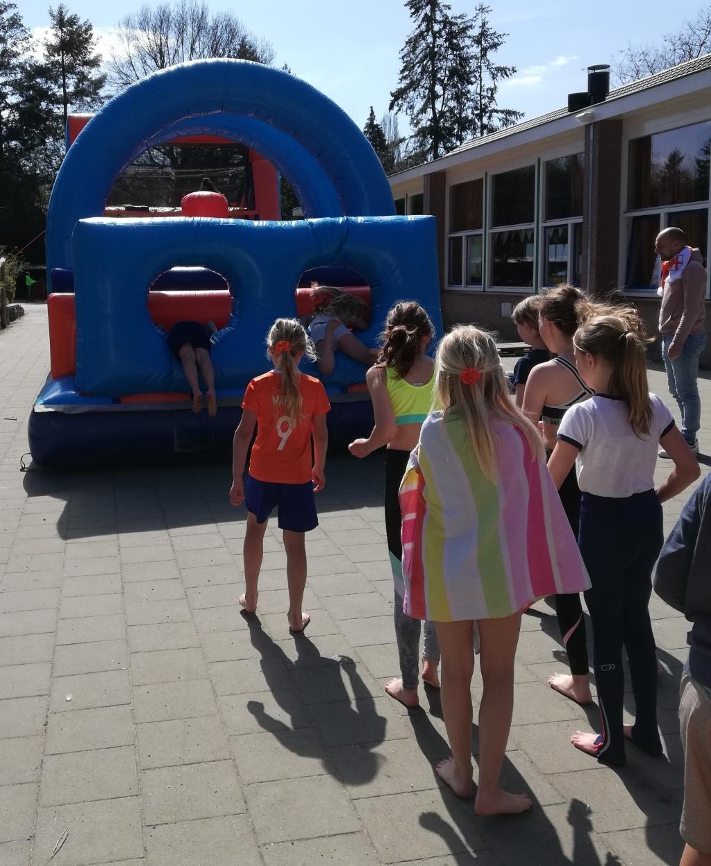 Ook op Cbs Coolsma konden leerlingen genieten van leuke activiteiten. Cbs Coolsma © BDU