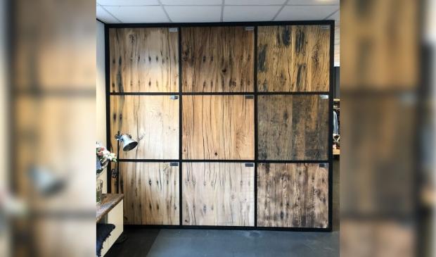 <p>,,We houden het hout zo puur en natuurlijk mogelijk.&quot;</p>