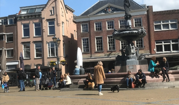 Het was zaterdag druk op de Grote Markt, de Hoofdwacht was een van de horeca ondernemers die deelnam aan Happen & Stappen