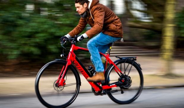 <p>Met meer speed pedelecs en e-bikes op de weg zijn er ook weer nieuwe zorgen in het verkeer.</p>
