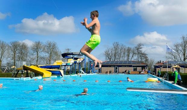 <p>Zwemmen Doetse kom</p>