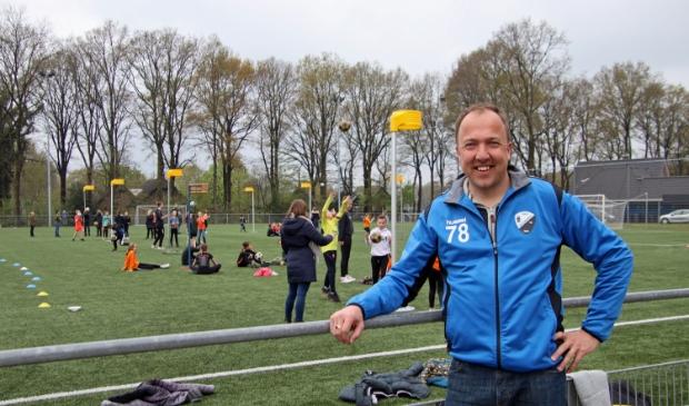 <p>Voorzitter Mark Smidt: We zijn heel actief op &eacute;n buiten het veld om kinderen meer te laten bewegen.</p>