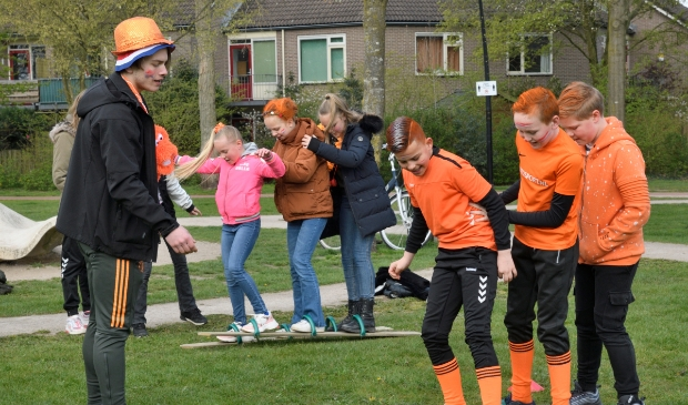 Basisschool De Pelikaan houdt Koningsspelen in park de Groene Scheg