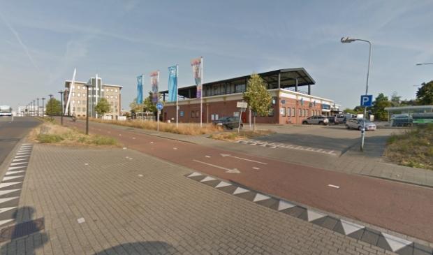 <p>De verkeerssituatie bij de oprit naar de parkeerplaats van de Stadspoort zou volgens Pieter Kool onveilig zijn.</p>