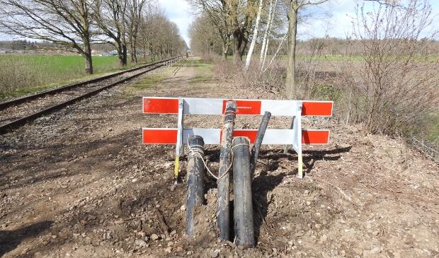 Nieuwe leidingen langs de Pon-lijn.