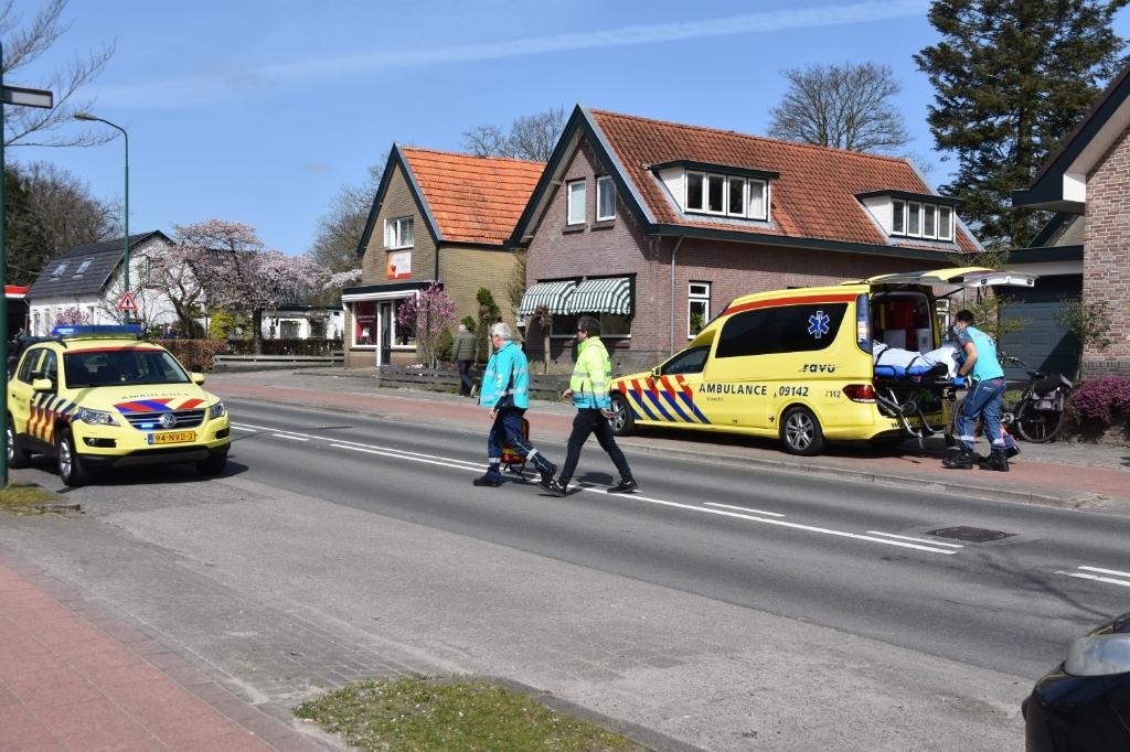 Het slachtoffer werd met onbekend letsel naar het ziekenhuis vervoerd. Eempers © BDU media