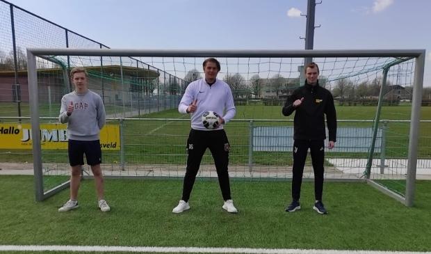 Robin, Enzio en Martijn starten met walking football.