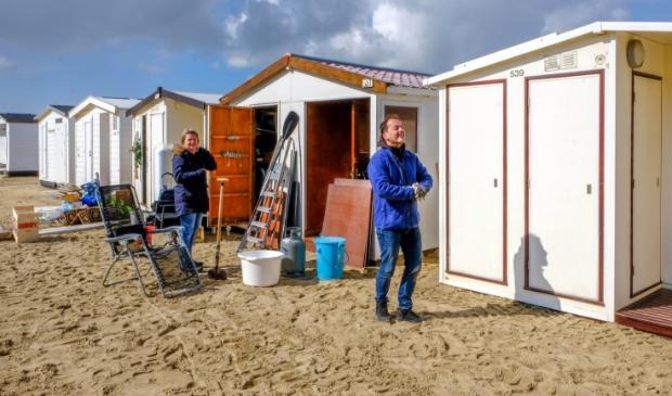 <p>Eric uit Purmerend is al 50 jaar vaste gast op het strand.</p>