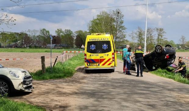 <p>Op de Lage Veldweg met de kruising Hammerdijk zijn donderdagmiddag twee personenauto&#39;s op elkaar gebotst.</p>