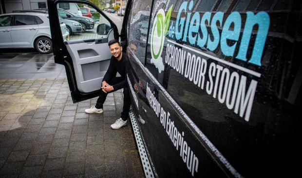<p>Auto&rsquo;s poetsen was altijd al zijn hobby, maar in 2019 zette Naser de stap om het professioneel te gaan doen.</p>