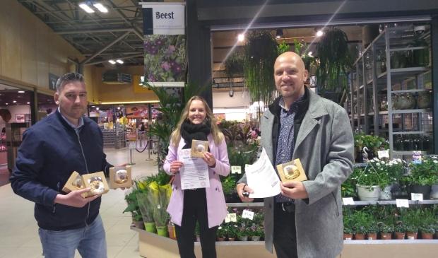 <p>Media-adviseurs Michel Rodenburg (De Stad Amersfoort), Linde Meijerink (Stad Nijkerk) en Arnout Wagemans (de Leusder Krant) toonden hun waardering.</p>
