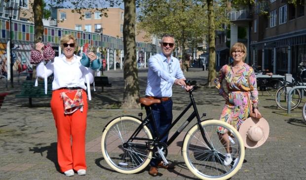 <p>Herma (Livera), Petra (Femm) en Wim (Opticlaer) nemen klanten mee de zomer in.</p>