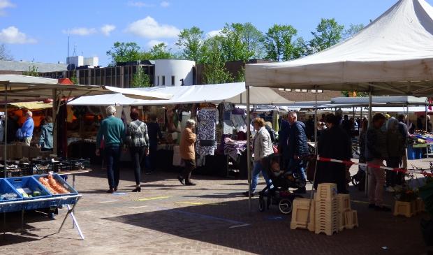 De markt in Putten op woensdag 12 mei.