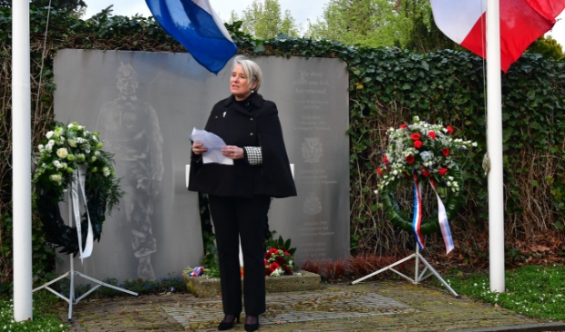<p>De herdenkingsplechtigheid in Park Weldam</p>