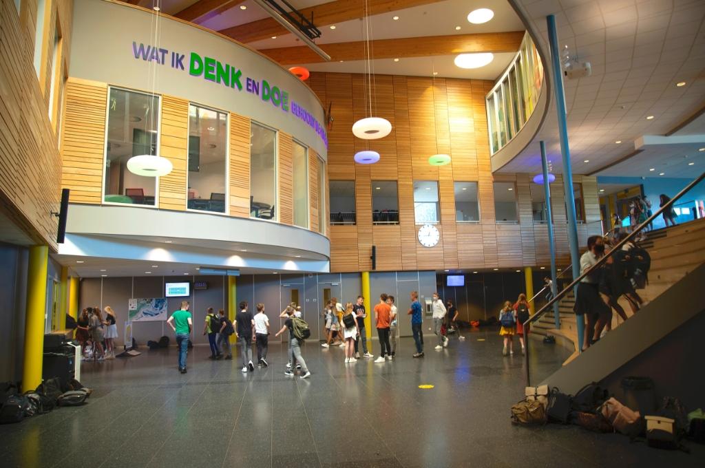 Van Lodenstein College is vanaf vandaag weer volledig open voor alle leerlingen Bram van den Heuvel © BDU media