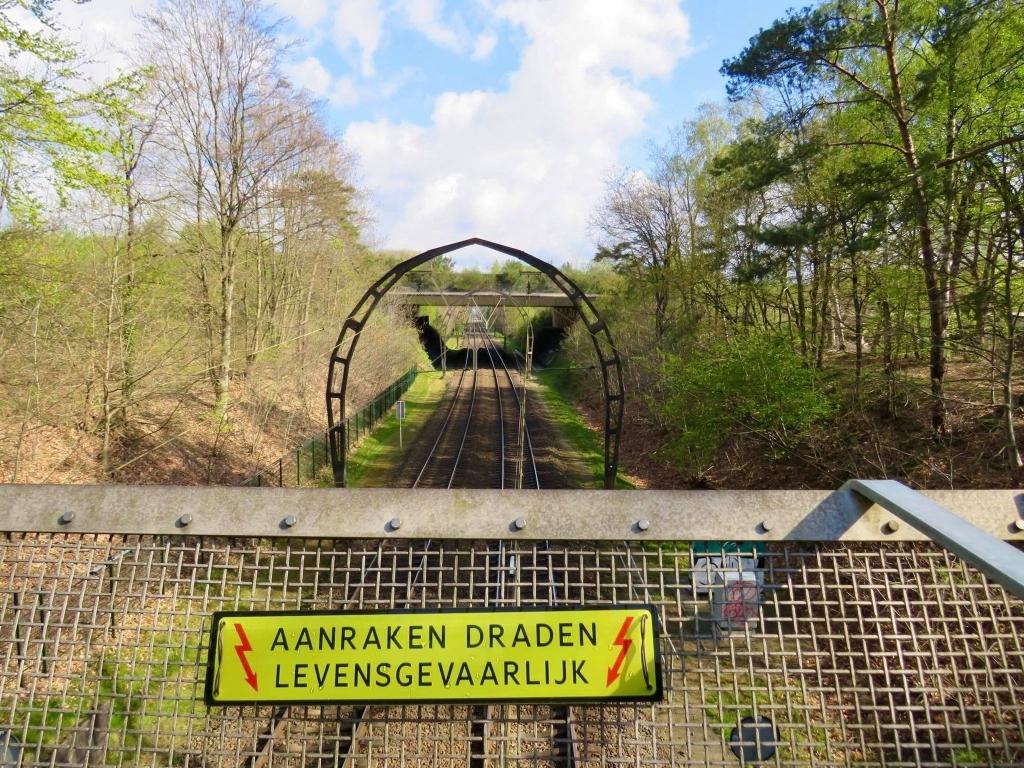 Vanaf fiets-/loopbrug zicht op het Spoor en het Ecoduct Onno Wijchers © BDU media