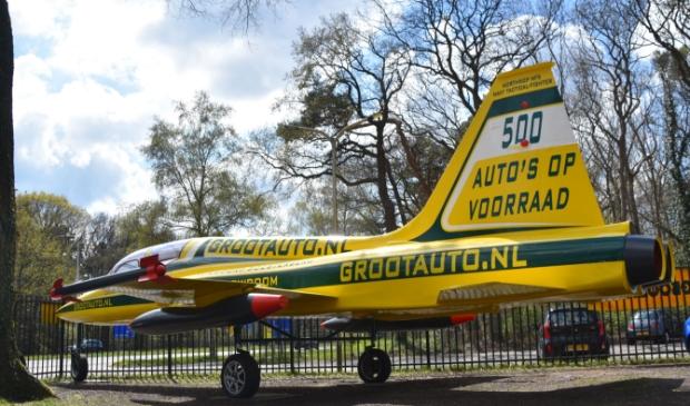 <p>Het vliegtuig is van polyester en weegt 3.500 kilo.</p>