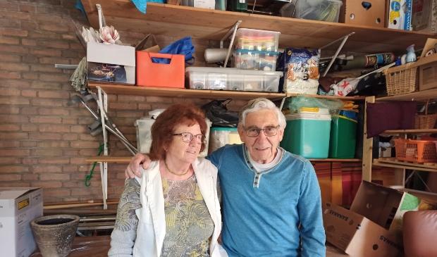 <p>Nel en Teus Verschoor zijn naarstig op zoek naar opslagruimte voor het werk van De Hoeksteen.</p>