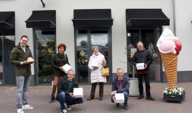 <p>Geheel links eigenaar van Fyn Ys, Jelle Horst.</p>