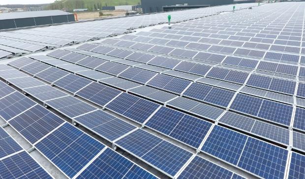 <p>De CDA-fracties pleiten voor een lint aan zonnepanelen langs de A12.&nbsp;</p>