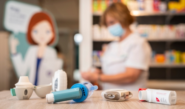<p>Negentig procent van de astma- en COPD-pati&euml;nten inhaleert de voorgeschreven medicijnen niet goed, blijkt uit onderzoek.</p>