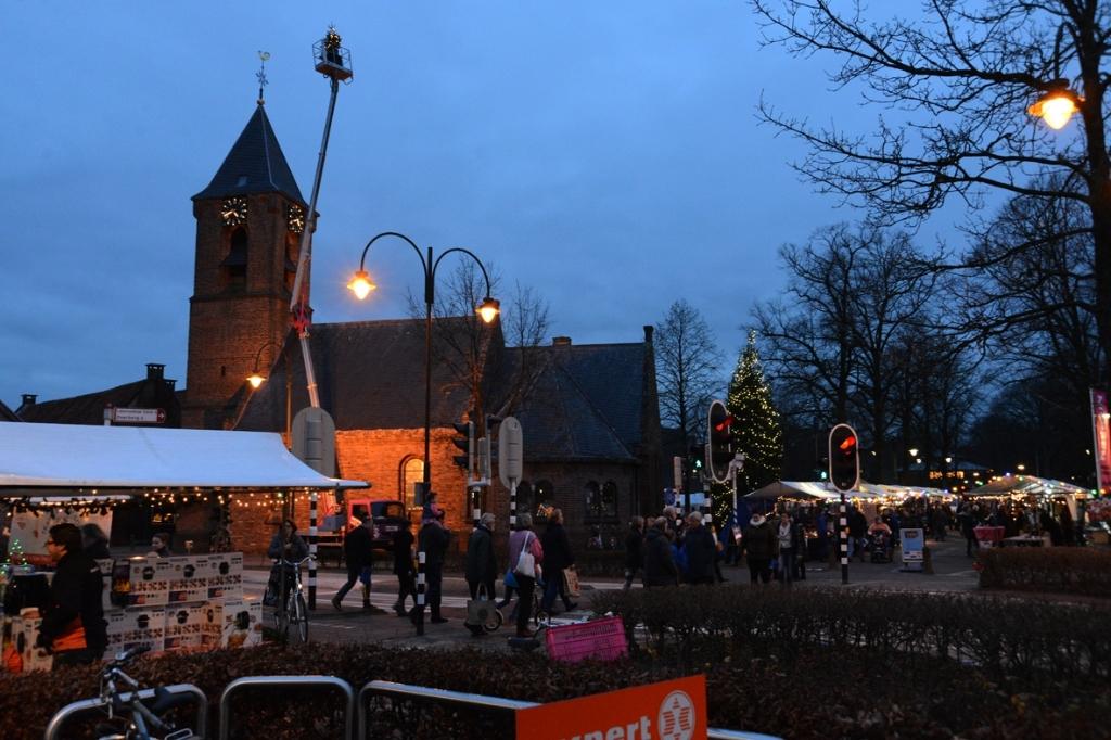 De kerstmarkt in Leersum wordt altijd drukbezocht. Eigen foto © BDU