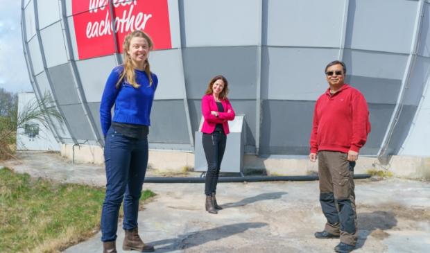 <p>Floor Hofman van verpakkingsloze winkel De Gieterij, Lisette de Jong van Youngwise en rechts Bing Go van Go-Tan.</p>