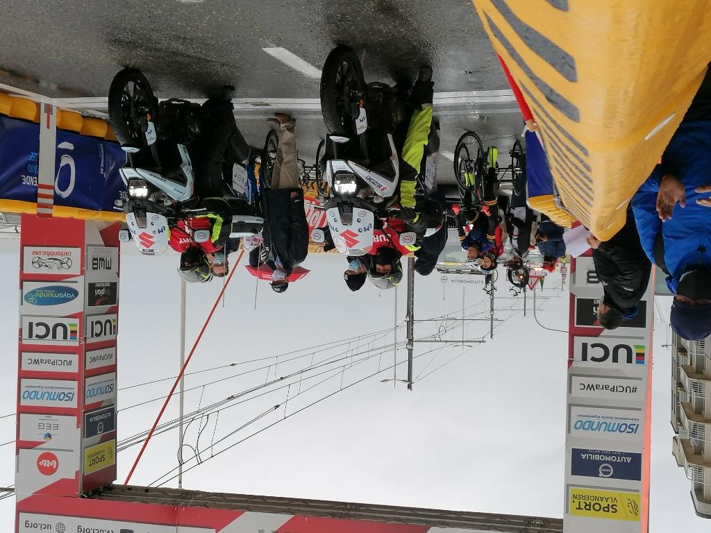 Start Roadrace. Marieke links JvS © BDU Media