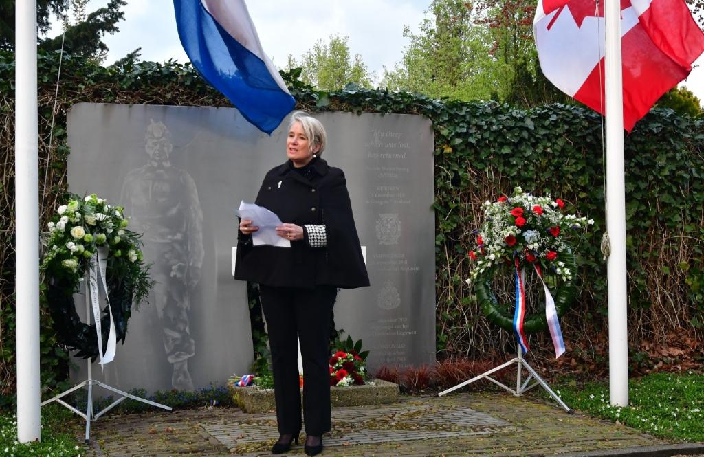 <p>De herdenkingsplechtigheid in Park Weldam.&nbsp;</p> Kees van den Heuvel © BDU Media