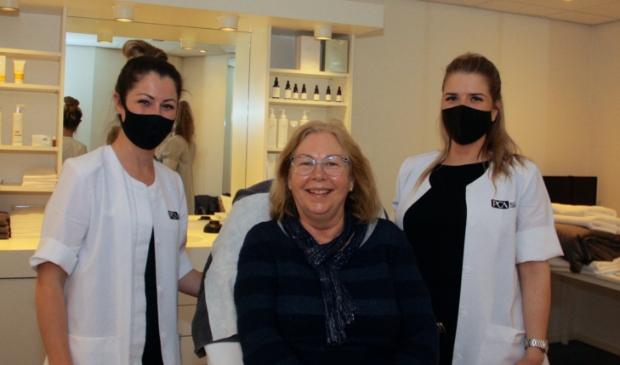 <p>Op de foto: links Sabrine ten Pierik, midden Mieke Straatman, rechts Iris van Dijk.</p>